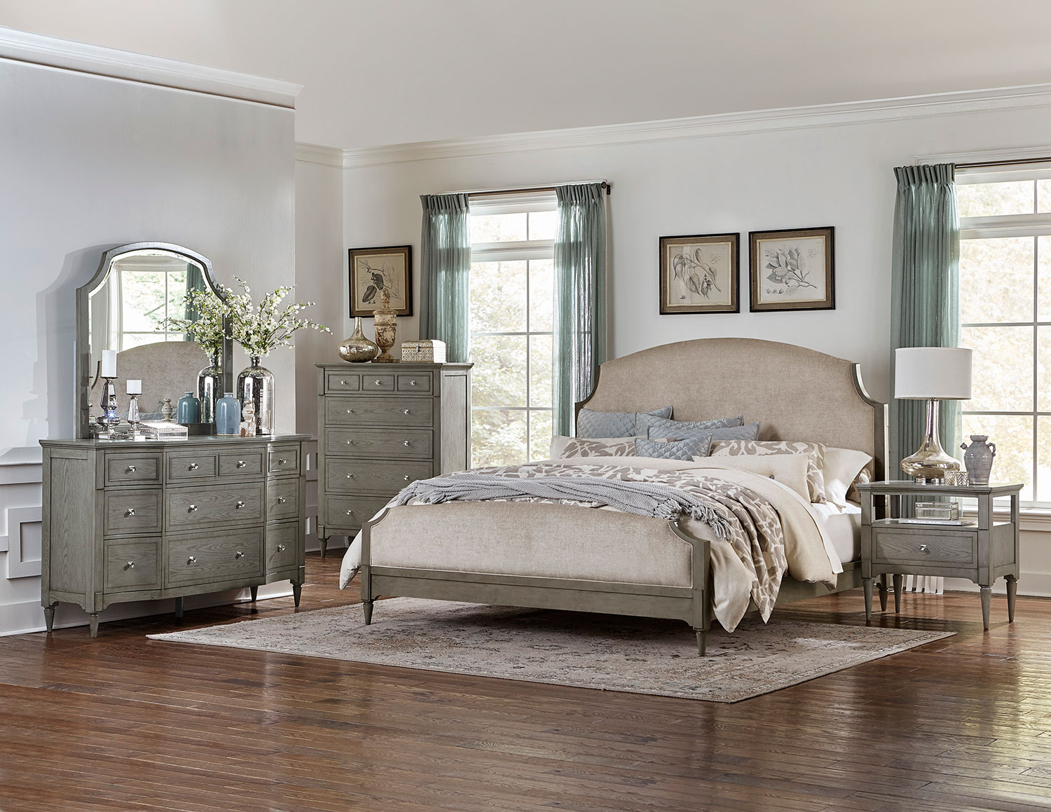 Custom Upholstered Bedroom Set Decor