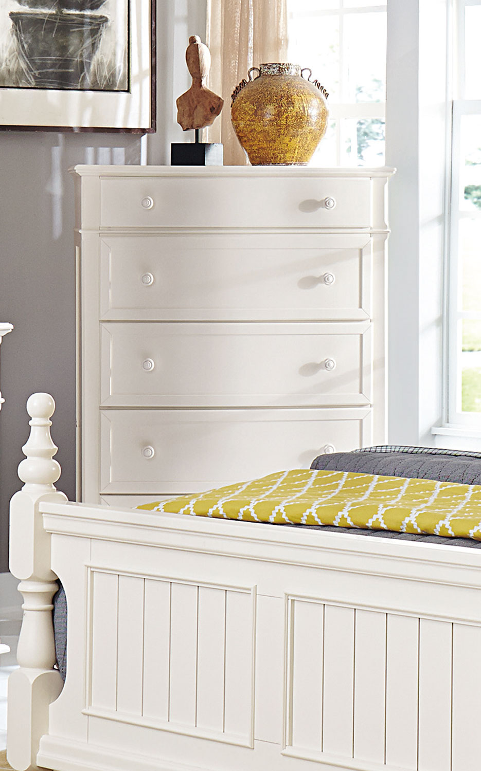 Homelegance Clementine Chest - White