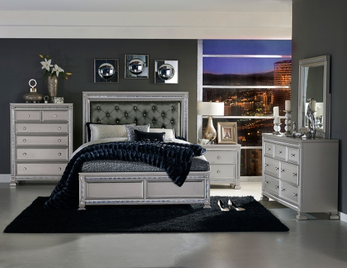 Bevelle Button Tufted Upholstered Bedroom Set - Silver